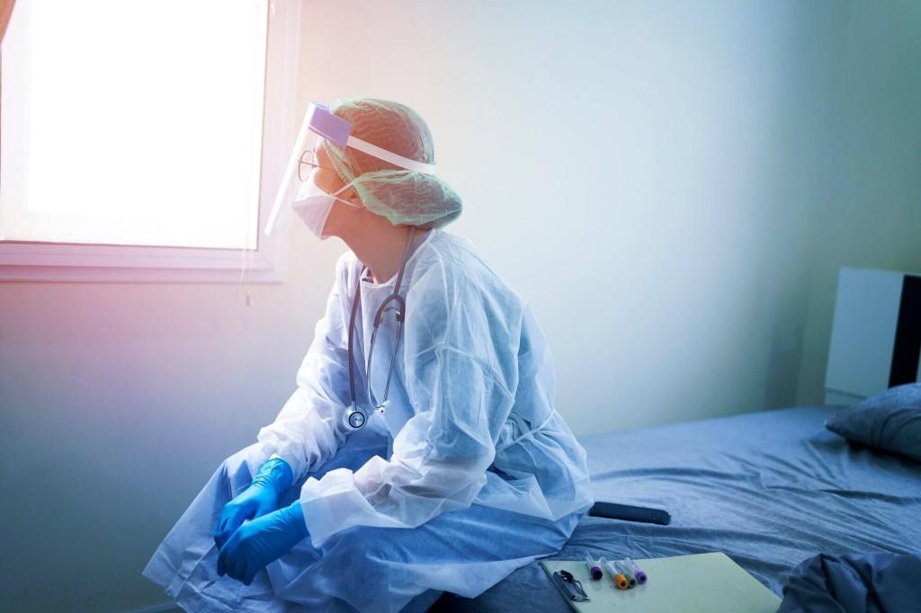 healthcare-worker_g_1213986906